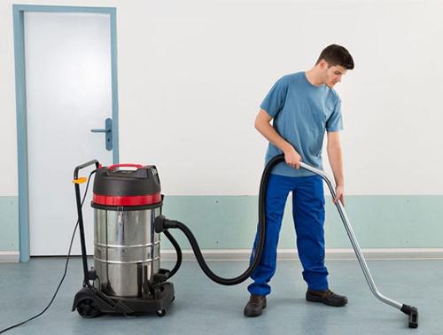 Giá máy hút bụi ảnh hưởng đến hiệu quả làm việc