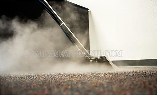 Sử dụng máy giặt thảm hơi nước nóng giúp diệt sạch vi khuẩn, nấm mốc trên thảm trải sàn