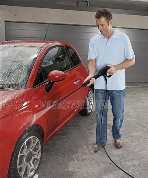 Máy rửa xe cao áp Karcher K 2.360 có khả năng xịt rửa mạnh mẽ