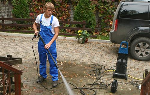 Giá máy rửa xe đi liền với chất lượng của máy