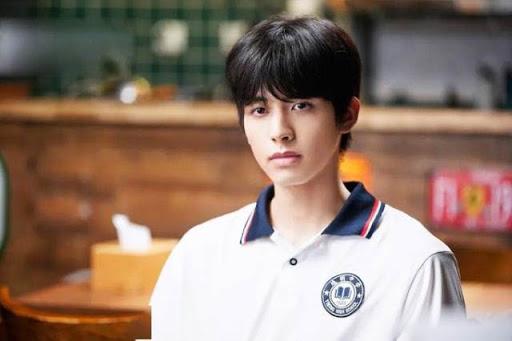 Tống Uy Long vào vai Lăng Tiêu