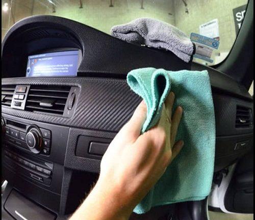 Vệ sinh nội thất xe hơi là công việc mất nhiều thời gian và công sức